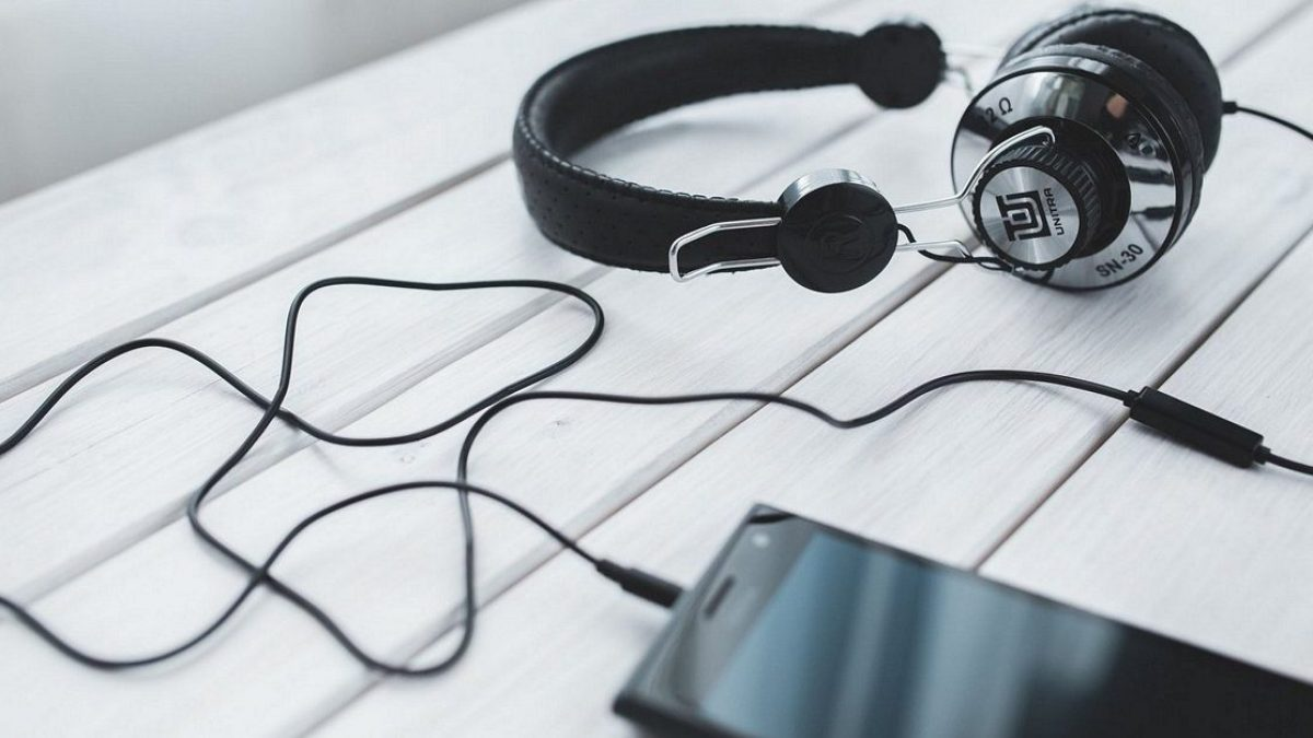 How To Clean Headphones The Only Guide You Ever Need Headphonesty