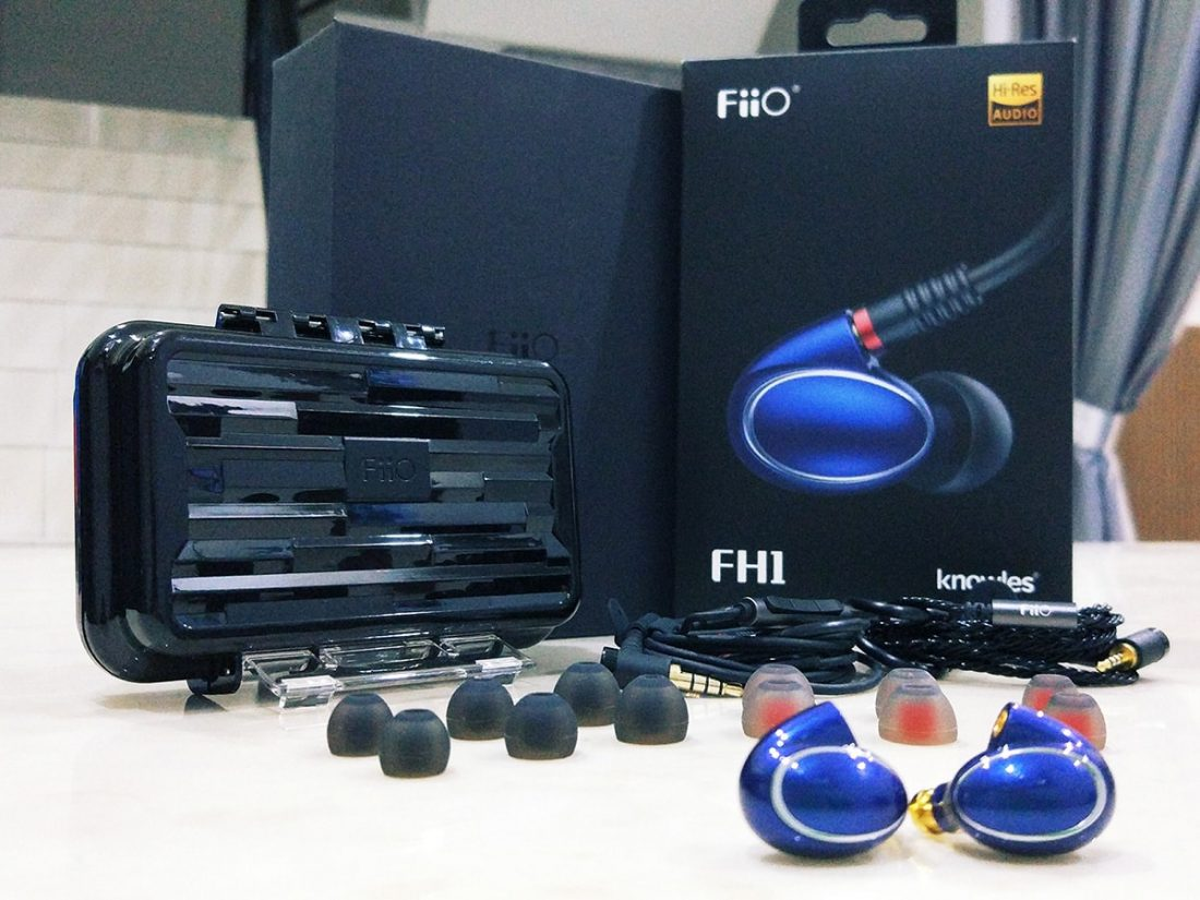 Fiio FH1 packaging and accessories