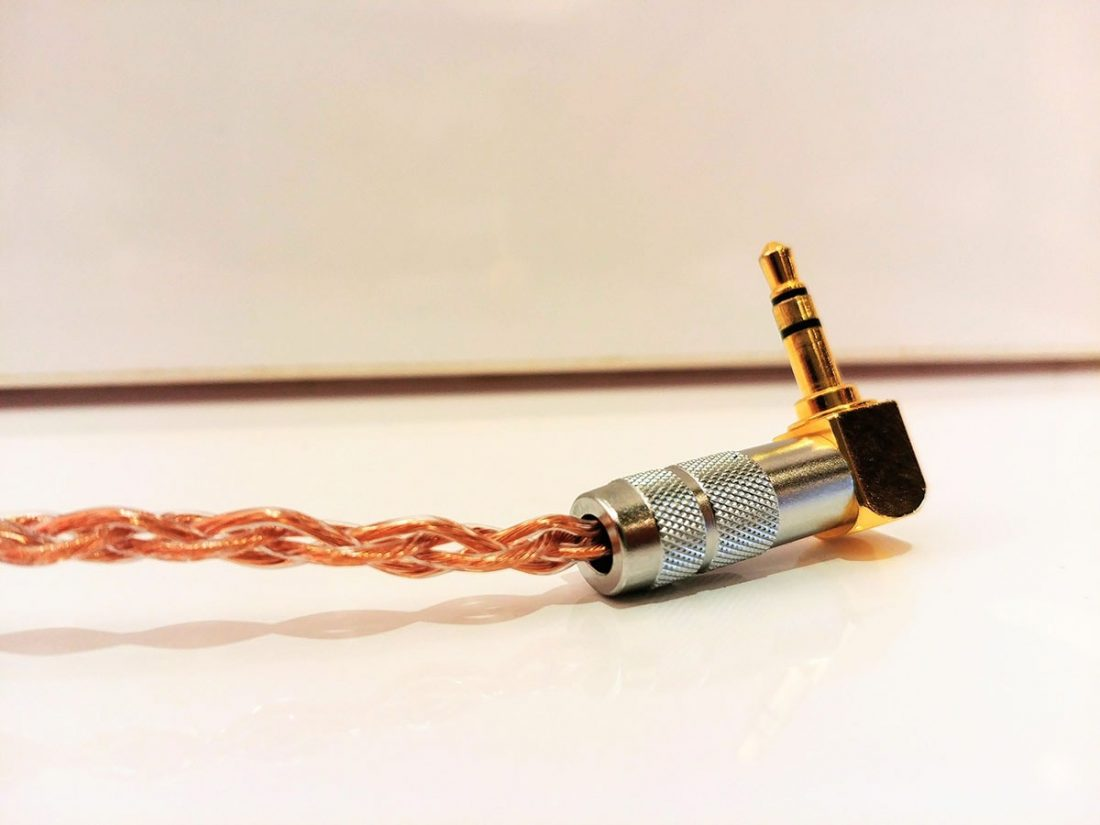 A rigid right-angled 3.5mm jack