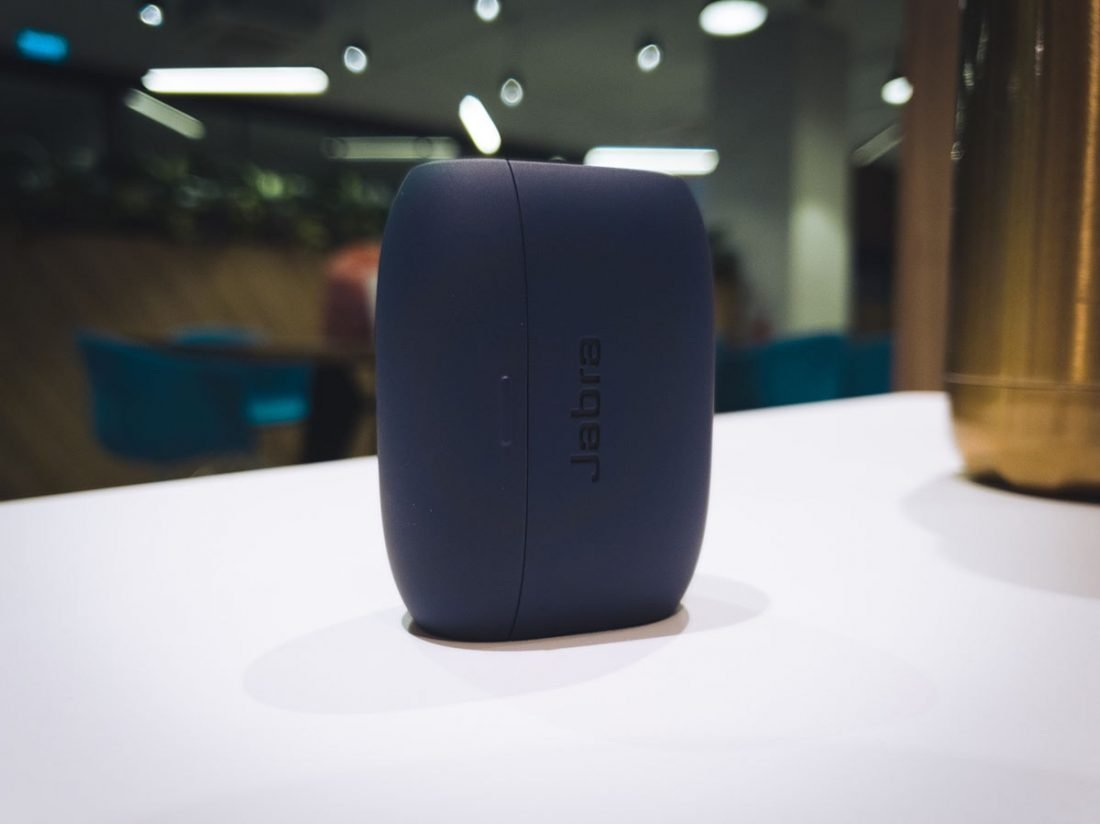 The Jabra's case can only stand on its side.