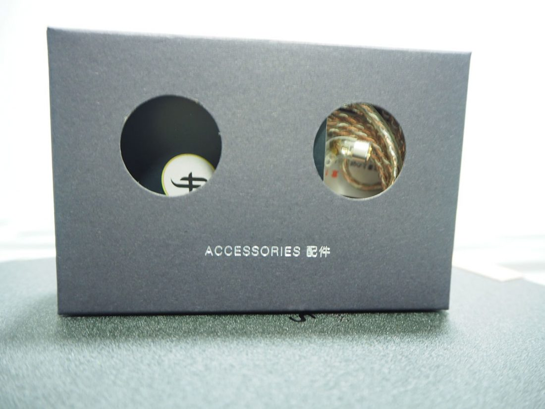 Accessories contained in the box