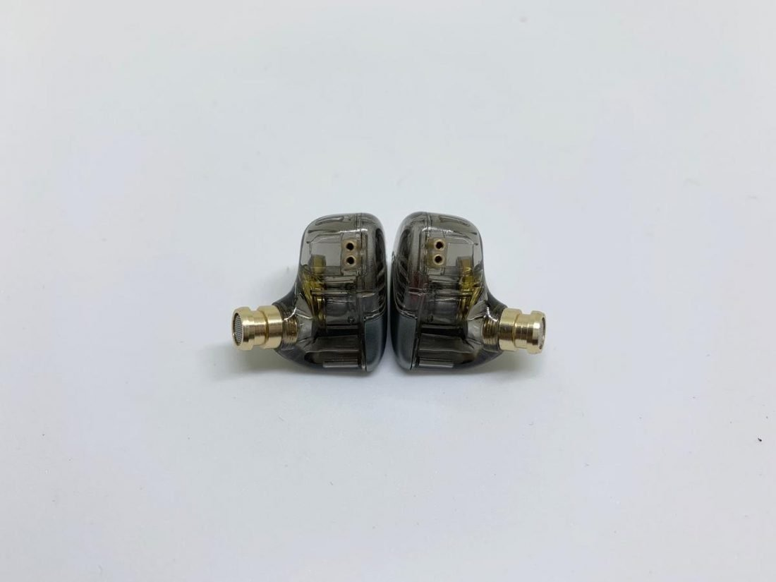 2-pin connector with protection slot for MT3