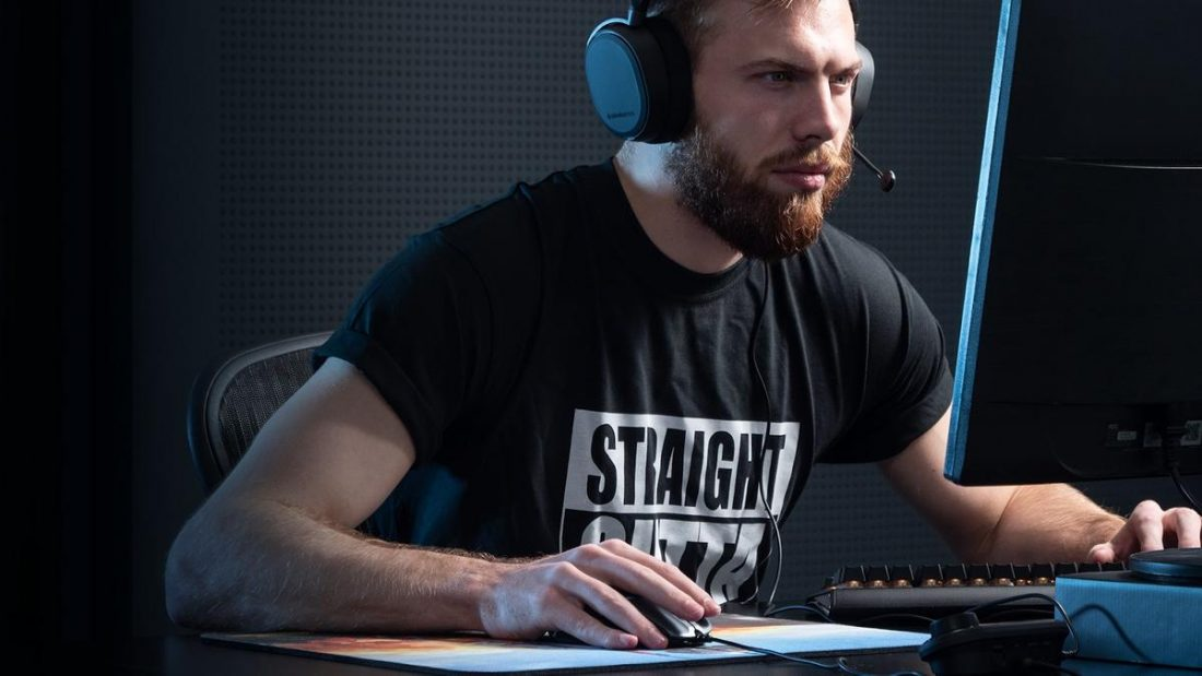 Fuzzface Wearing Steelseries Arctis Pro