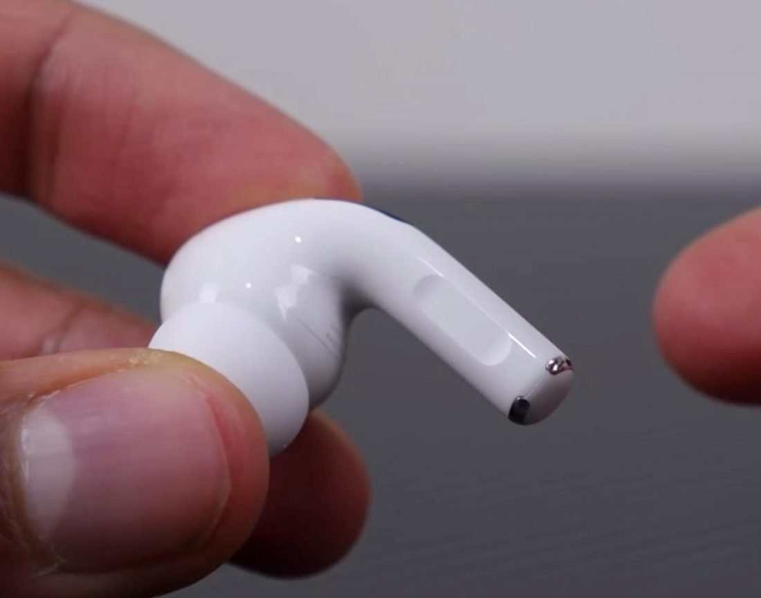 The new position of the AirPods Pro's touch control. (From Youtube/SuperSaf)