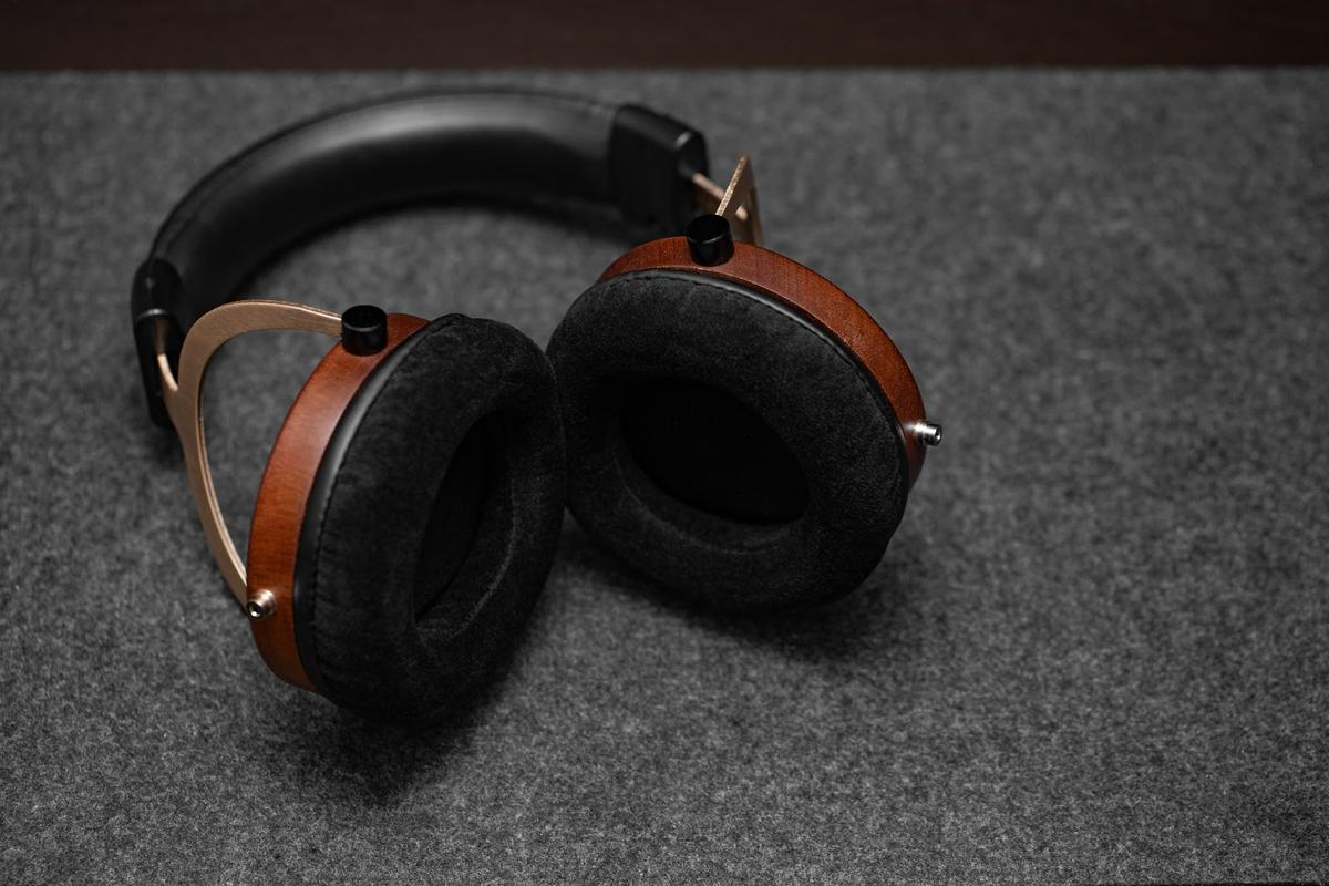 The wood gives the Thieaudio Phantom a very classy look.