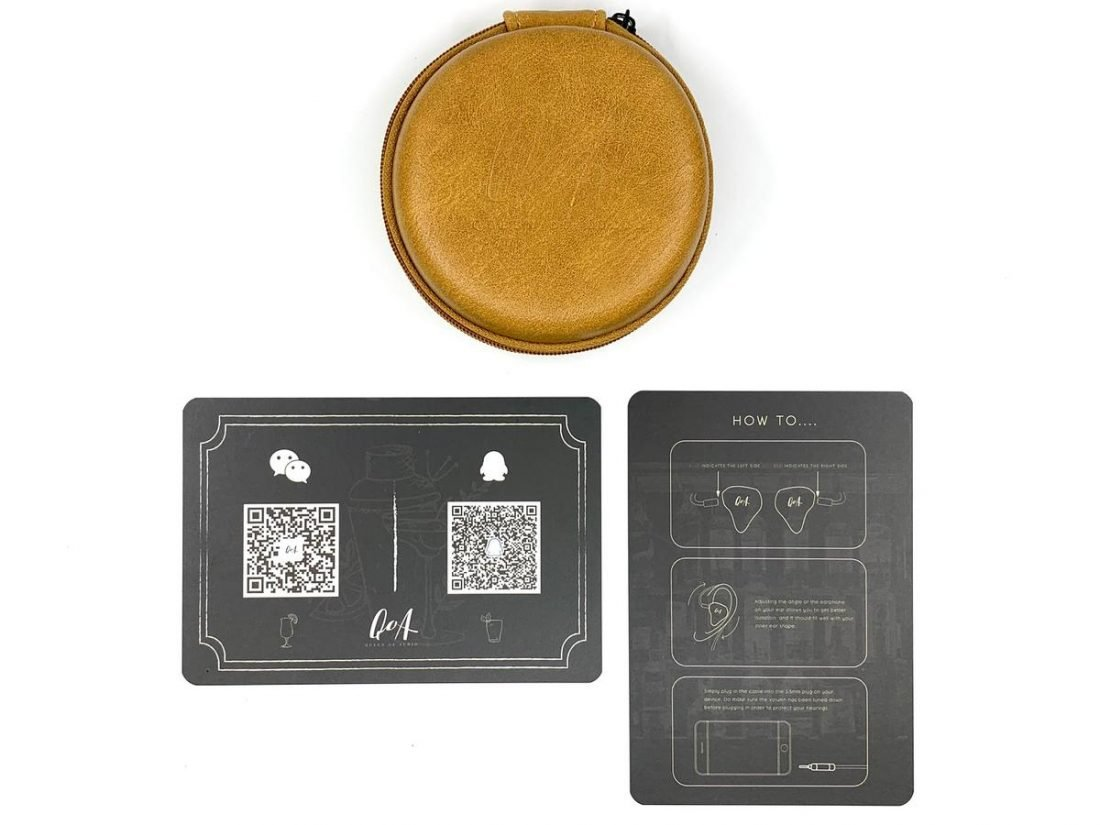 Leather case and user manuals.
