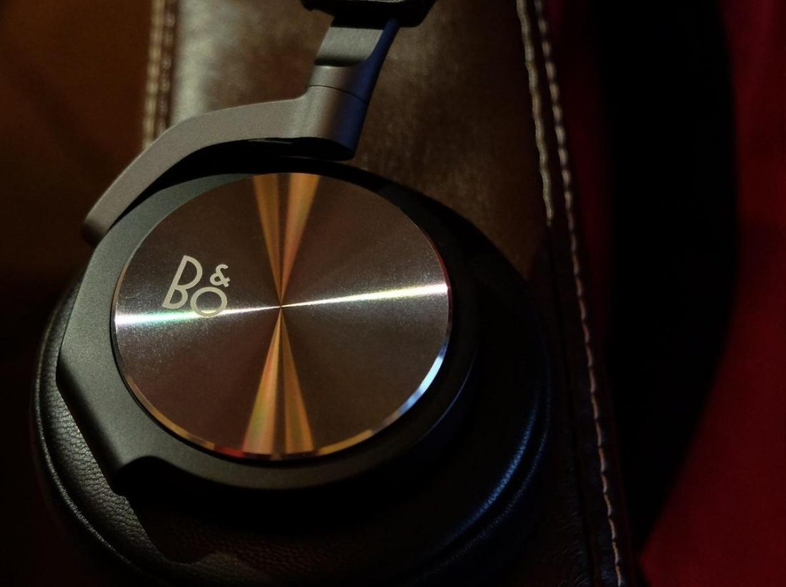 Still one of the best fashion headphones released.