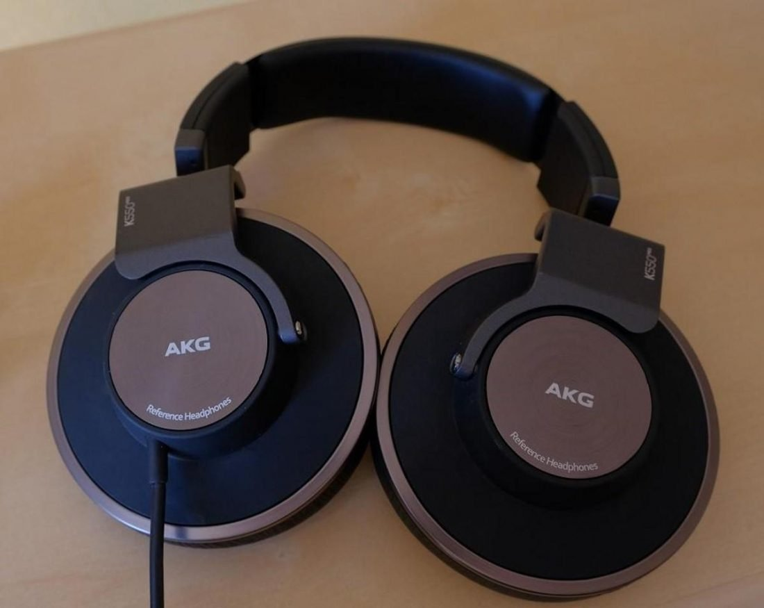 A K550 mk2 with non removable cable