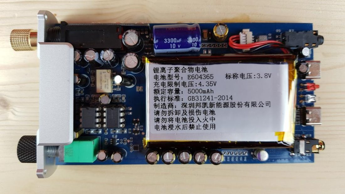 Two OpAmps installed in the XD05 Plus. (From ixbt.com)