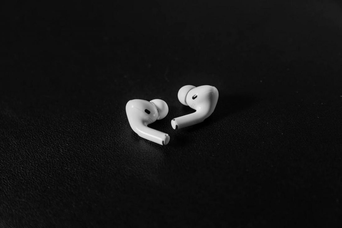 There's a cost-free method to replacing your AirPods Pro ear tips (From: Shawnn Tan, unsplash.com)