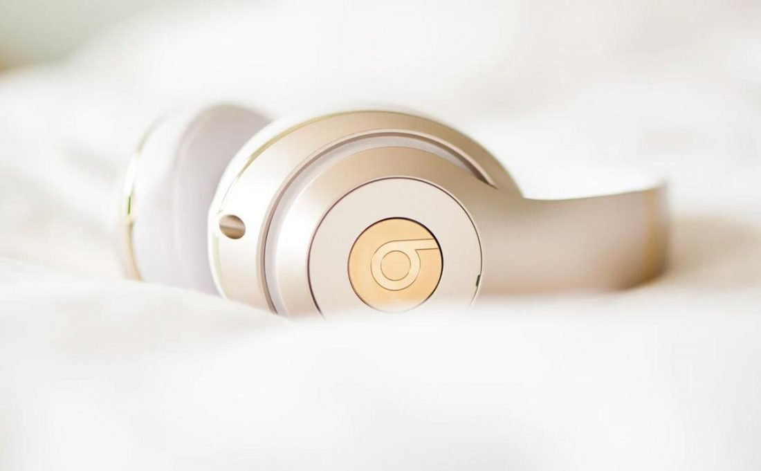 Most Beats headphones have a physical button to press on the ear cup (From: Joseph Gonzalez, unsplash.com)