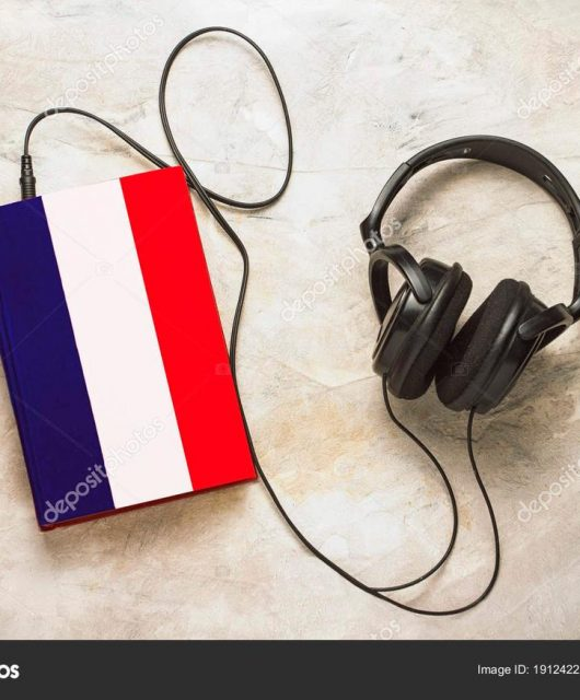 Audio devices such as headphones, headsets, and earphones are the most purchased high-tech items in France in 2019, according to the German research firm Gfk. (From Surgay/depositphotos)